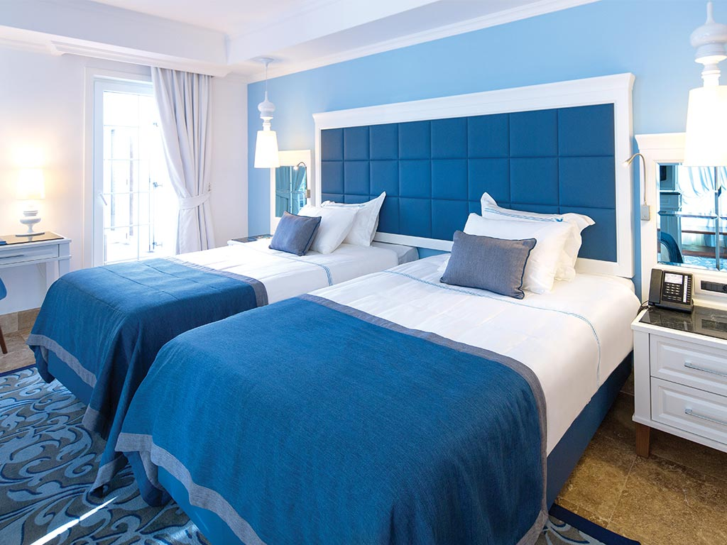 Cornelia hotels golf spa for Chambre de l assurance